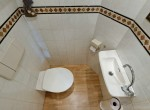 toilet bgg